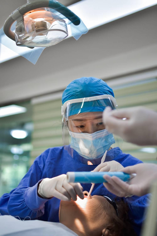Co studiować, aby zostać chirurgiem plastycznym?