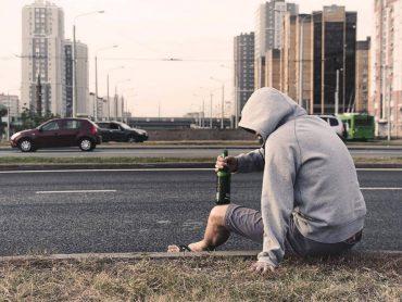 W jaki sposób alkoholizm rodziców wpływa na dziecko?